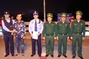 Cứu sống và trao trả công dân Trung Quốc gặp nạn trên sông biên giới