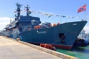 Tàu chiến Nga Perekop cập cảng Sihanoukville của Campuchia