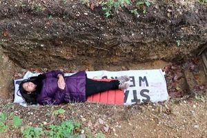 Đại học Hà Lan đào mộ cho sinh viên... tập thiền