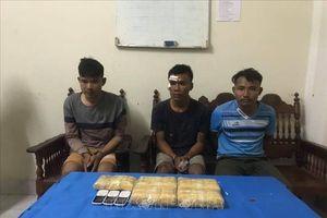 Bắt quả tang vụ vận chuyển lượng lớn ma túy tổng hợp từ Lào về Việt Nam