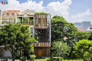 Ngôi nhà có thiết kế gần gũi thiên nhiên, lung linh trong nắng