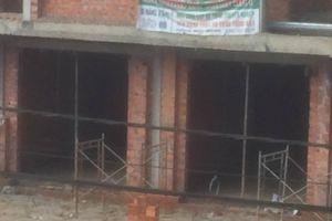 Sụp vỉ sắt tại công trình Khu đô thị mới Thới Lai, 4 người bị thương