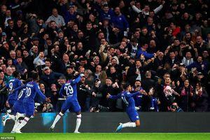 Đá hơn 2 người, Chelsea ngược dòng kinh điển trước Ajax