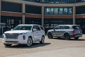 Mua SUV 3 hàng ghế, chọn Hyundai Palisade hay Kia Telluride?