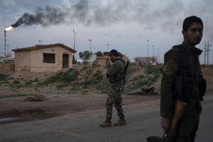 Mỹ tuyên bố 'chiếm cứ' mỏ dầu với cớ 'dựng căn cứ chống khủng bố'?
