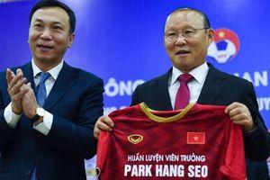 Mức lương 'khủng' của HLV Park Hang Seo vẫn kém xa HLV Thái Lan