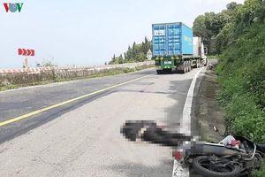 Va chạm với xe tải, một người tử nạn trên đèo Hải Vân
