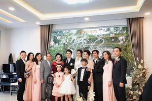 Gia đình chồng khen cô dâu Đông Nhi 'tuyệt vời' trong lễ ăn hỏi