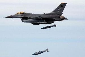 Nhật Bản 'sôi máu' vì F-16 Mỹ thả 'nhầm' quả bom nặng 200kg ở Aomori