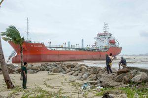 Họp khẩn chống tràn dầu từ tàu PV Alliance mắc cạn