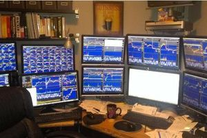 Trước giờ giao dịch 8/11: Canh chỉnh mua vào Ngân hàng, Bất động sản