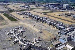 Hãng EasyJet mua lại các suất đặt chỗ sân bay của Thomas Cook