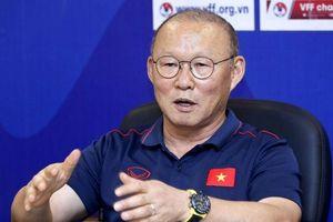 HLV Park Hang-seo chỉ ra 4 điểm cần lưu ý với bóng đá Việt Nam