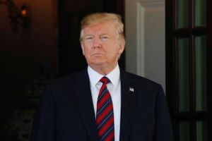 Tổng thống Trump bị phạt 2 triệu USD vì vụ lùm xùm quỹ từ thiện