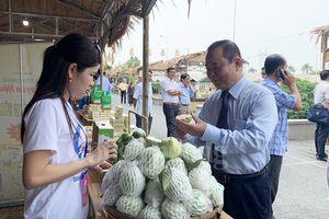 Đưa đặc sản Đồng Tháp về TP. Hồ Chí Minh
