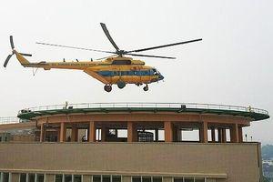 Trực thăng đa năng Việt Nam lần đầu tiên hạ cánh trên nóc bệnh viện