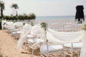 Cận cảnh không gian tiệc cưới 10 tỷ đồng trên bãi biển của Đông Nhi- Ông Cao Thắng
