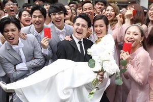 2 tấn hoa, 1000 nhân sự và những con số kỷ lục của đám cưới Đông Nhi - Ông Cao Thắng