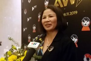 Mẹ Quang Hải xúc động trong ngày con trai ẵm giải 'Cầu thủ xuất sắc nhất'