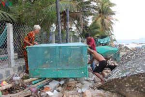 Người dân Bình Định, Phú Yên hối hả ứng phó bão số 6