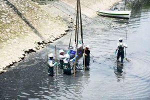 Tháo dỡ hệ thống thí điểm làm sạch sông Tô Lịch