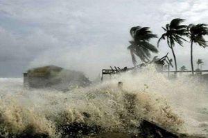 Thời tiết 10/11: Vùng ven biển từ Quảng Ngãi đến Khánh Hòa gần tâm bão đi qua gió mạnh cấp 8 - 9, giật cấp 11