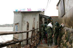 Bảo vệ an toàn cho nhân dân vùng bão
