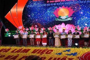 Nghệ An: Nhiều cá nhân, tập thể được tặng Bằng khen hòa giải viên cơ sở giỏi
