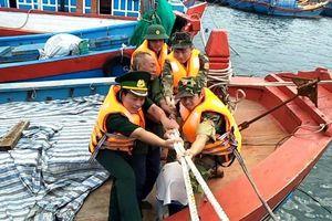 Quảng Ngãi: Huyện Đức Phổ khẩn trương di dời người dân trước khi bão số 6 đổ bộ