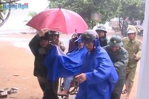 Ứng phó với bão số 6: Đã di dời gần 300 hộ dân ở huyện Đức Phổ, Quảng Ngãi