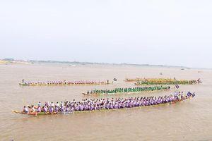 Tưng bừng lễ hội đua thuyền truyền thống lớn nhất tại Campuchia