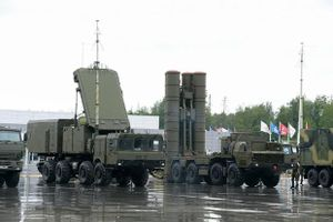 Nghị sĩ Nga bình luận về 'kịch bản điên rồ' của tướng Trung Quốc