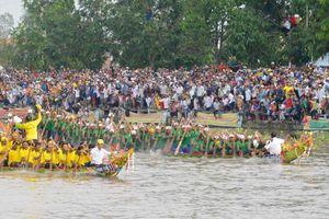 Trên 100.000 người xem đua ghe ngo ở Sóc Trăng