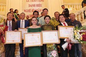 Xét tặng NSND, NSƯT: Đề xuất không cộng đổi huy chương Bạc thành Vàng