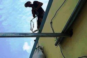 Chằng chống mái nhà chống bão, một người trượt ngã tử vong