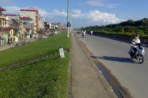 Hà Nội phân luồng giao thông tuyến đê Tả Hồng, đoạn từ cầu Thanh Trì đến đường vào Khu đô thị Ecopark