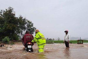 Đắk Lắk: Hàng trăm nhà dân chìm trong biển nước do mưa bão