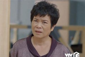 NSƯT Bích Thủy 'Hoa hồng trên ngực trái': Mẹ đẻ ác nhất màn ảnh