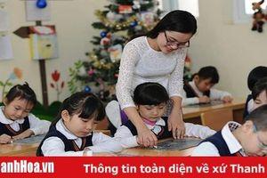 Tặng danh hiệu Tập thể lao động xuất sắc trong ngành Giáo dục và Đào tạo