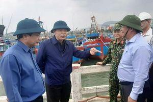 Hai tàu ngư dân Quảng Ngãi ở Philippin hết lương thực và nhiên liệu