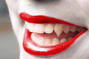 Cách làm một bộ răng giả trông như thật