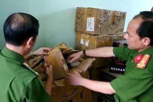 Người phụ nữ tàng trữ hơn 1.300 hộp shisha