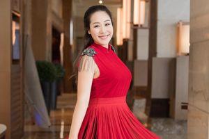 Hoa hậu Ngô Phương Lan chưa lấy lại vóc dáng sau sinh