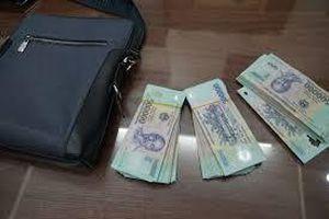 Bắt tài xế taxi cướp 5,5 triệu của khách