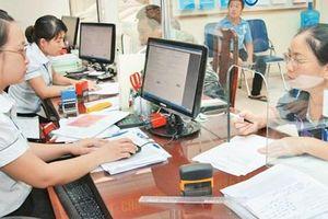 Chính phủ đề xuất tăng lương cán bộ, công chức