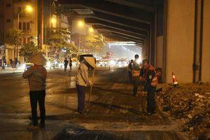Hà Nội: Xuyên đêm sửa chữa, vá lại mặt đường Nguyễn Trãi