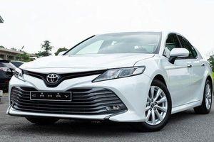 Toyota Camry áp đảo doanh số Mazda6, 'đe nẹt' Honda Accord tại Việt Nam