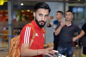 Đội bóng nhà giàu UAE đổ bộ Hà Nội trong đêm