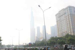 TP.HCM se lạnh, chìm trong sương mù