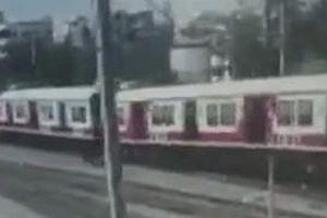 Hai đoàn tàu đâm vào nhau tại sân ga ở Ấn Độ